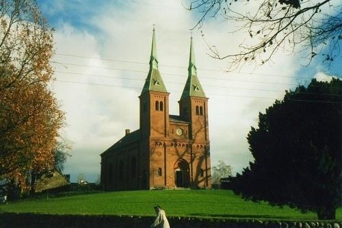 hvornår opstod pinse kirken